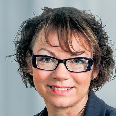Monika Pfarr, Fachanwältin